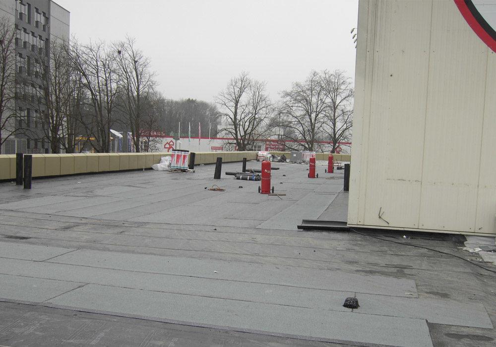 Flachdach wird saniert.