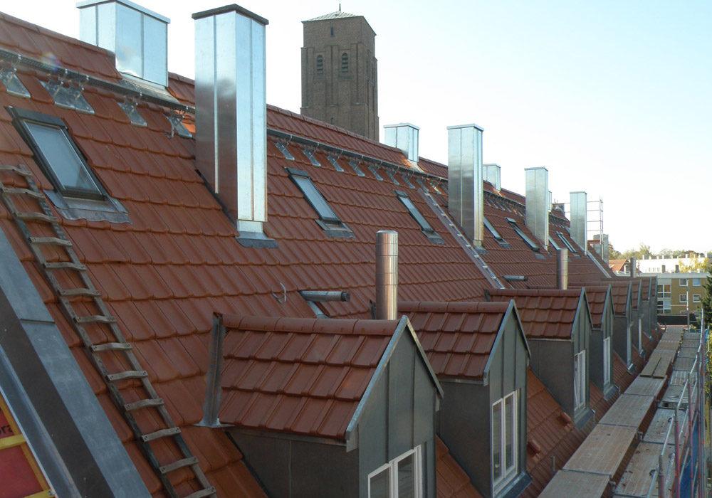 Neu renoviertes Hausdach, Ziegeldach.